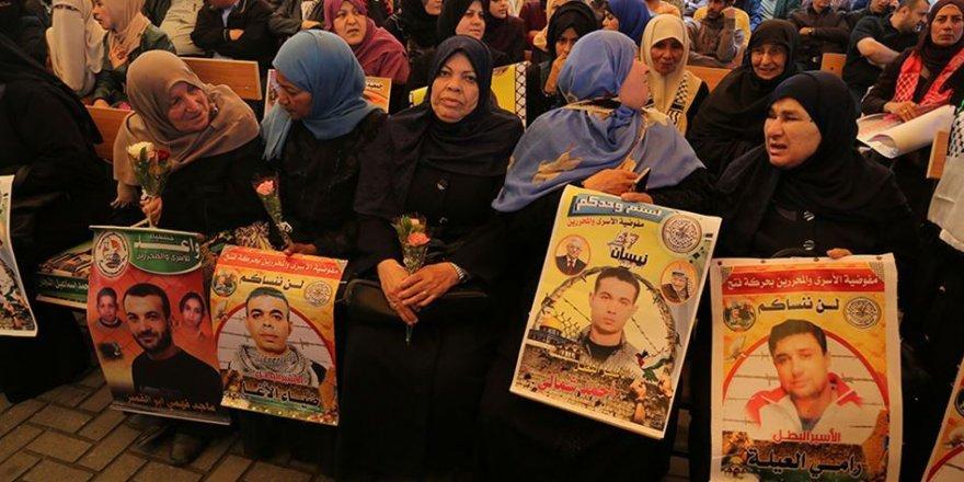 Filistinli 5 Esir Açlık Grevi Eylemlerini Sürdürüyor