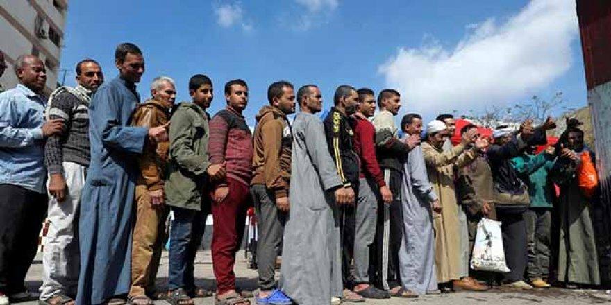 Sisi'nin Saltanatı Altında Bir Referandum Geçti