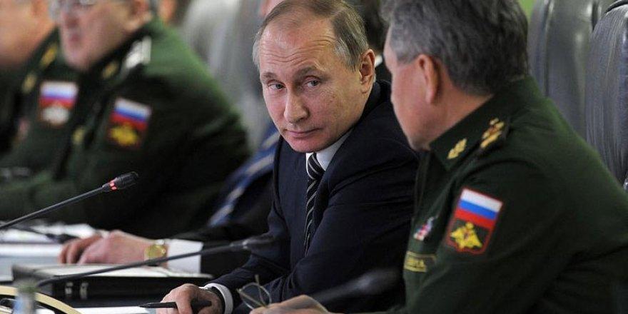 Putin ile Zelenskiy Ukrayna'nın Doğusundaki Krizi Görüştü