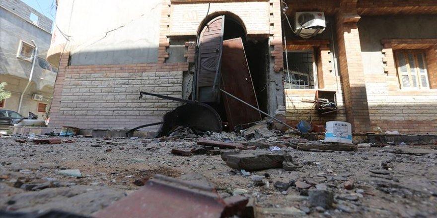 Yabancı Savaş Uçakları Trablus'ta Sivil Yerleşim Bölgelerini Vurdu