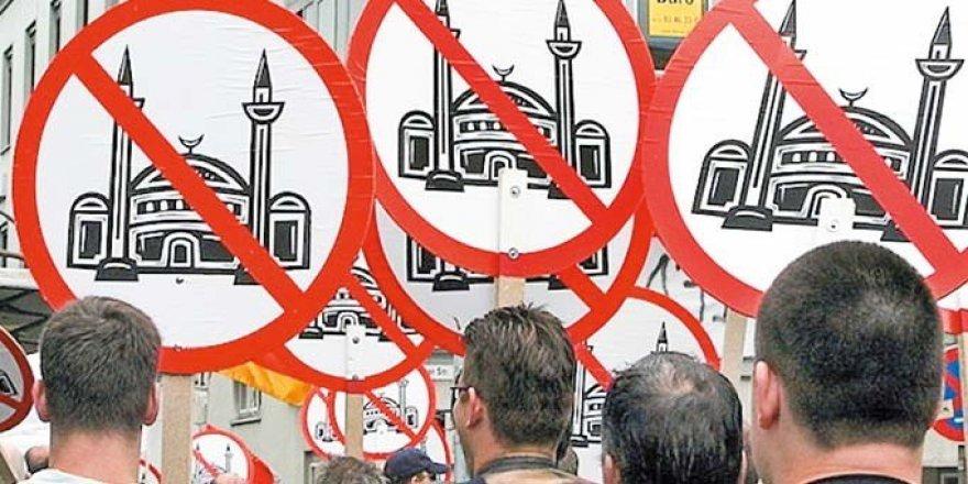 'İslam Düşmanlığını Siyasi Söylem Körüklüyor'