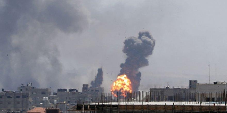 İsrail Gazze'ye Hava Saldırısı Başlattı