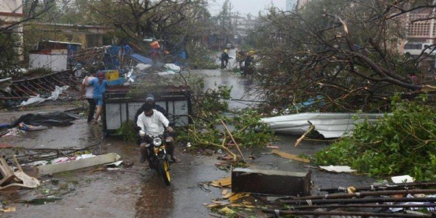 Fani Kasırgası Bangladeş'i de Etkiledi