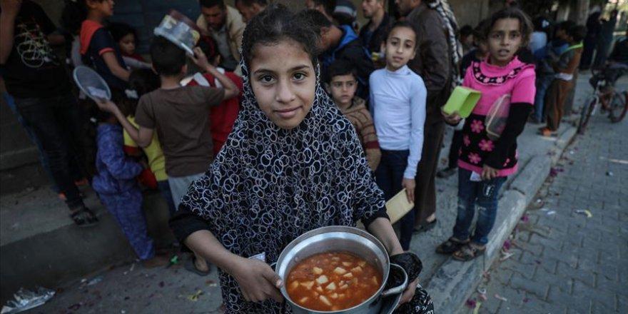 'Gazze'de Nüfusun Yarıdan Fazlası Gıda Yardımlarıyla Geçiniyor'