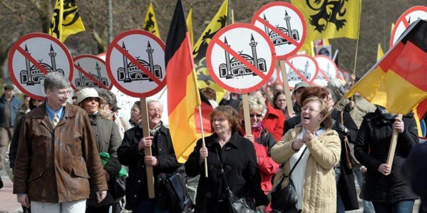 Almanya'dan Müslümanlara 'Cami' Vergisi