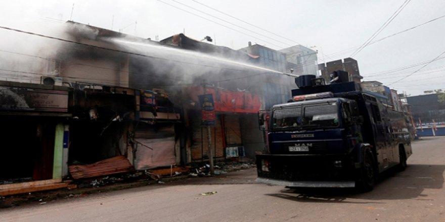 Sri Lanka'da Müslümanlara Ait Dükkanlara Saldırı