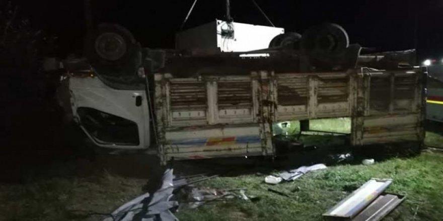 Van'da Göçmenleri Taşıyan Kamyon Devrildi: 5 Ölü, 37 Yaralı