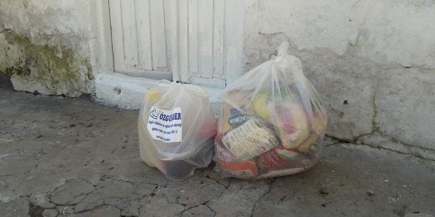 Tatvan Özgür-Der'den Kumanya Yardımı