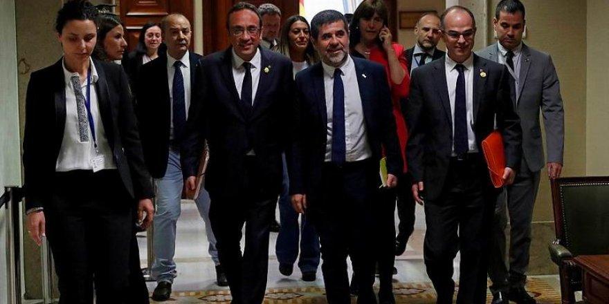 Cezaevindeki Katalan Siyasetçiler, Milletvekili Mazbatalarını Aldı