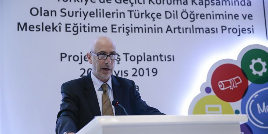 Türkiye'de Yaşayan Suriyelilere Türkçe ve Mesleki Eğitim Desteği