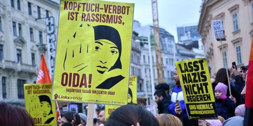 Avusturya'da İlkokul Çocuklarına 'Başörtüsü Yasağı' Ayrımcılığı