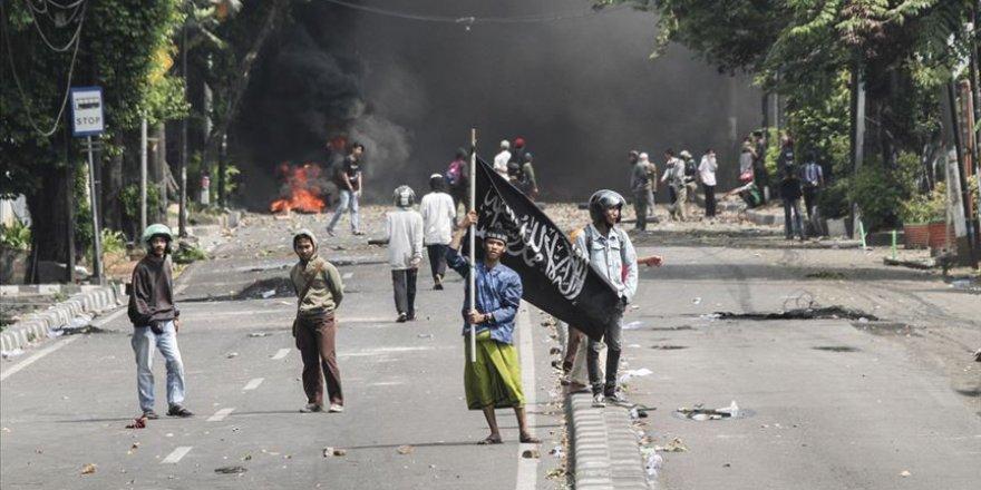 Endonezya'da Olaylı Seçim: 8 Ölü