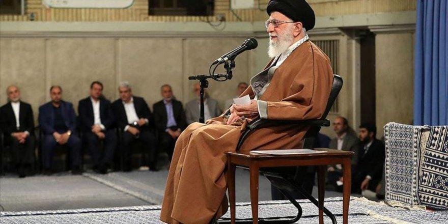 İranlı Sünni Vekillerden Hamaney'e Mektup