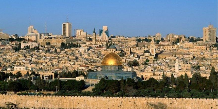 Kudüs Suriye Halkının Katillerinin Kurtarmasından Münezzehtir!
