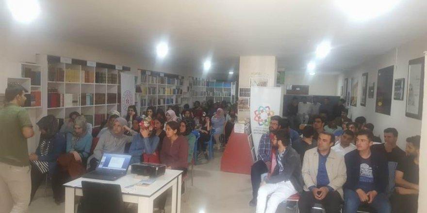 Van Özgür-Der'de Gençlere Yönelik İletişim Semineri