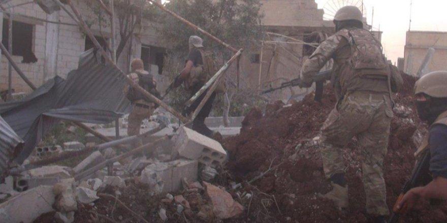 Muhalifler Hama'da 7 İşgalci Rus Askerini Öldürdü