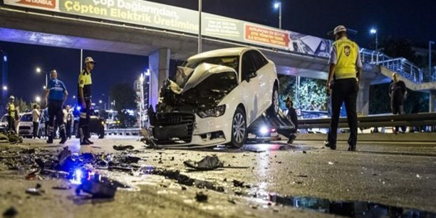 Bayram Tatilinde Trafik Kazaları Can Aldı