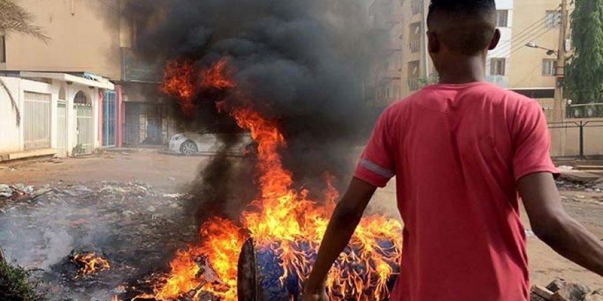 S. Arabistan'dan Sudan Çıkışı: İç Savaşa Sürüklenmesine İzin Vermeyeceğiz