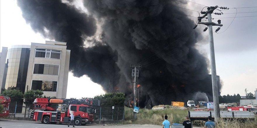 Kocaeli'de Depo ve Fabrika Yangını: 4 Ölü, 5 Yaralı