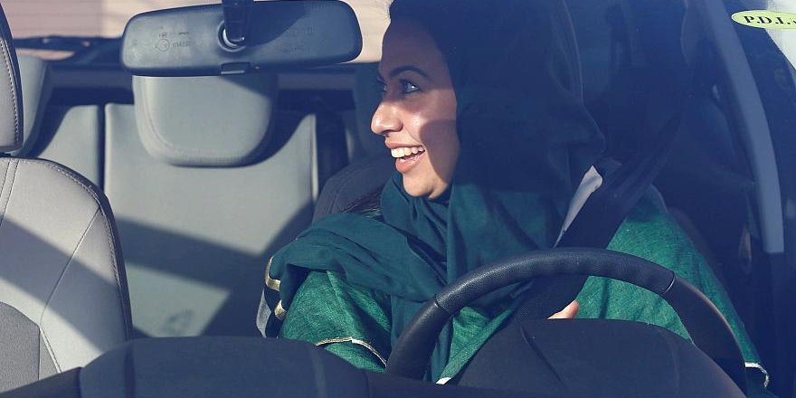 Çeçenistan'da Sadece Kadınlara Hizmet Eden Taksiler Hizmete Girdi