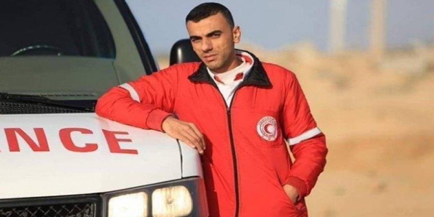 Siyonistlerin Yaraladığı Filistinli Sağlık Görevlisi Şehit Oldu