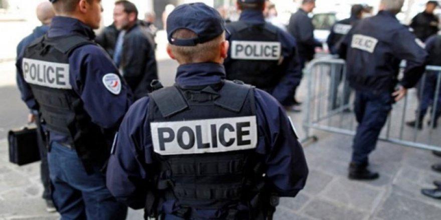 Fransa'da Müslüman ve Yahudilere Yönelik Terör Saldırısı Önlendi