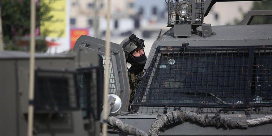 İşgalci İsrail Mescid-i Aksa'nın Görevlilerini Gözaltına Aldı
