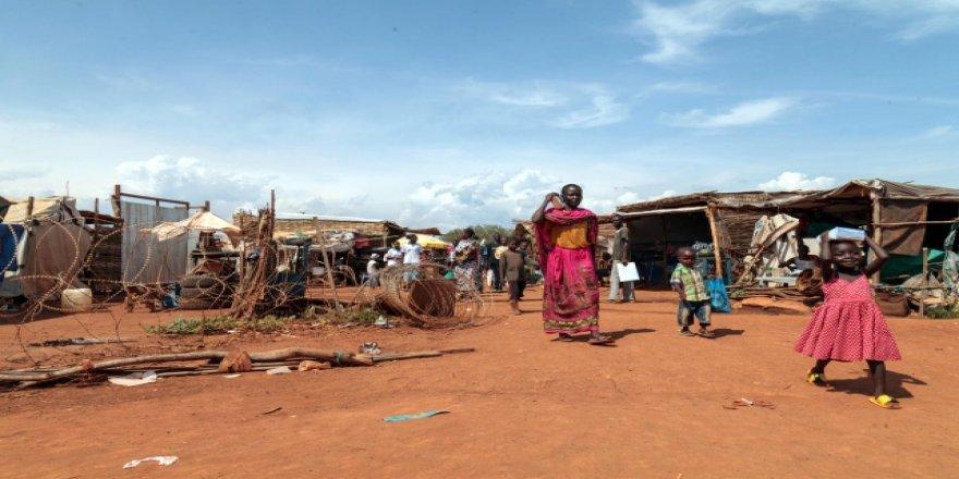 BM Sudan'daki Kampların Yetkililere Devredilmesini Askıya Aldı