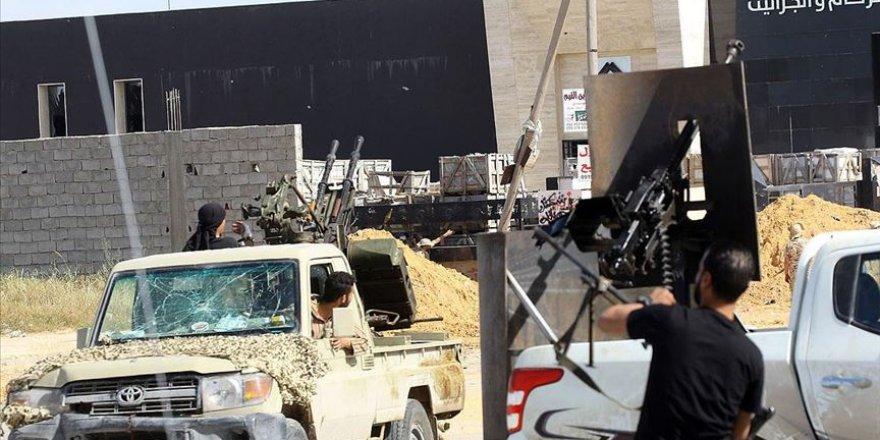 Libya'da UMH Kuvvetleri Trablus Havalimanına Girdi
