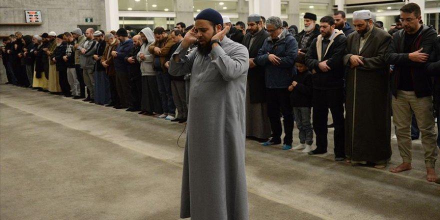 Avustralya, Belçika ve Katar'da Mursi İçin Cenaze Namazı Kılındı