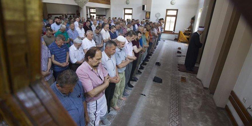 Bosna ve Sırbistan'da Mursi İçin Gıyabi Cenaze Namazı
