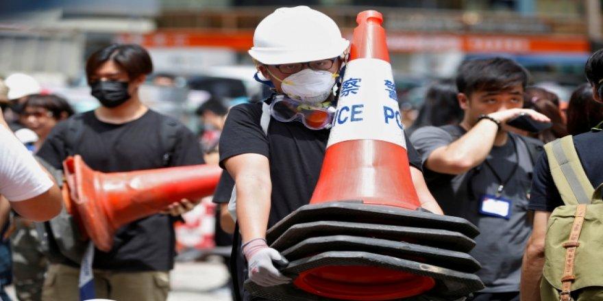 Hong Kong'da Halk Yeniden Sokağa Çıktı