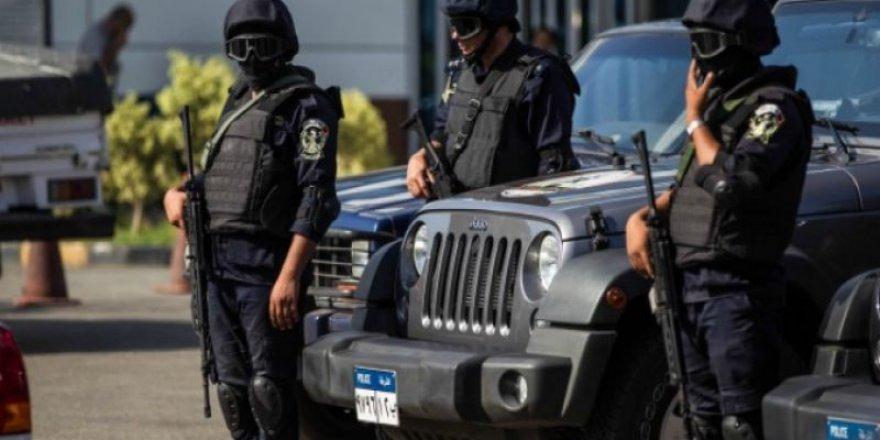 Mısır'da Muhalif Teşkilatlara Mensup 8 Kişiye Gözaltı
