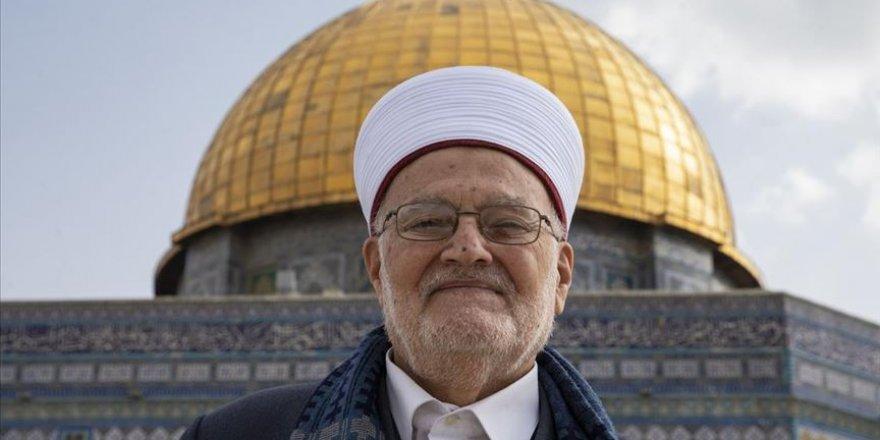 Eski Kudüs Müftüsü İkrime Sabri'ye 4 Ay Mescid-i Aksa'ya Giriş Yasağı