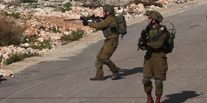 Siyonistler Batı Şeria'da Biri Gazeteci 10 Filistinliyi Yaraladı