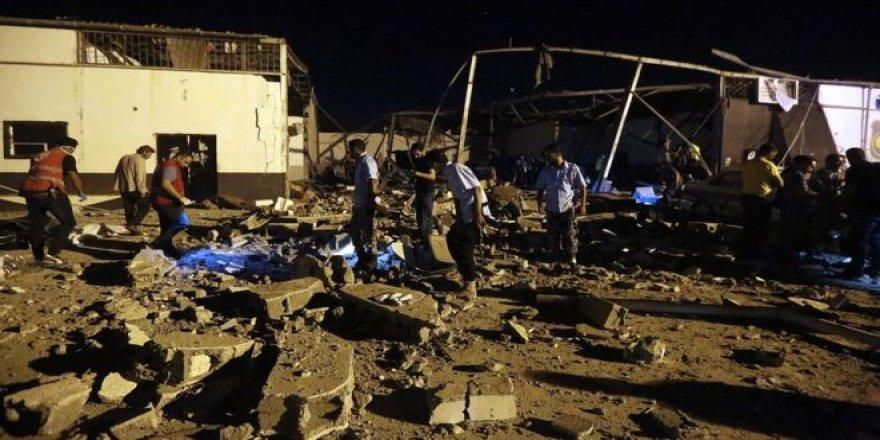 Katil Hafter Bu Kez Göçmenleri Hedef Aldı: 30 Ölü