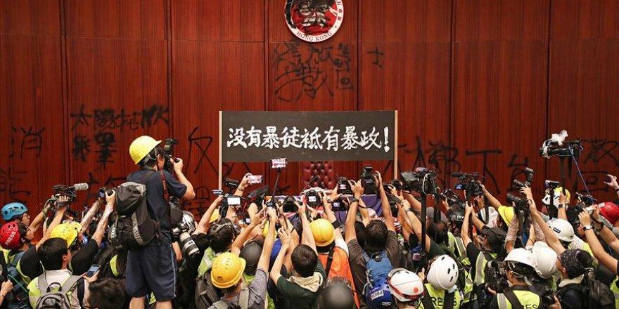 Hong Konglu Göstericiler Çaresiz Kaldıklarını Savunuyor