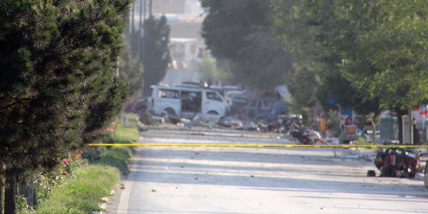Afganistan'da Bomba Yüklü Araçla Saldırı: 12 Ölü, 49 Yaralı