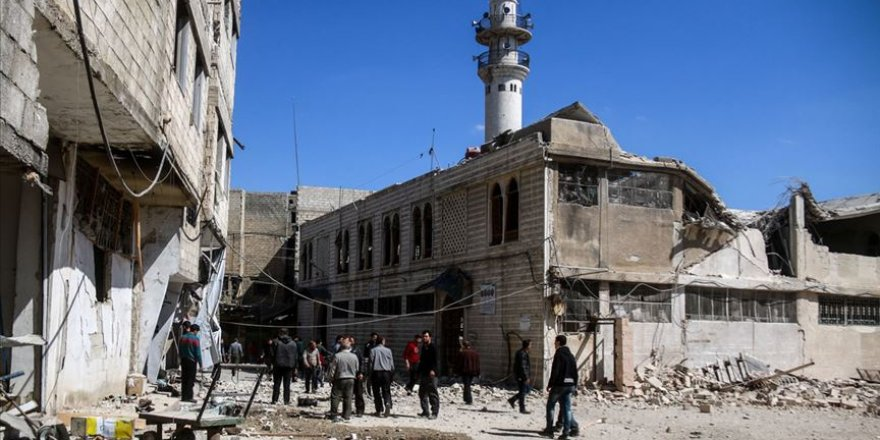 Katil ve Mezhepçi İran, Suriye'de İşgal Ettiği Bölgeleri Şiileştiriyor!