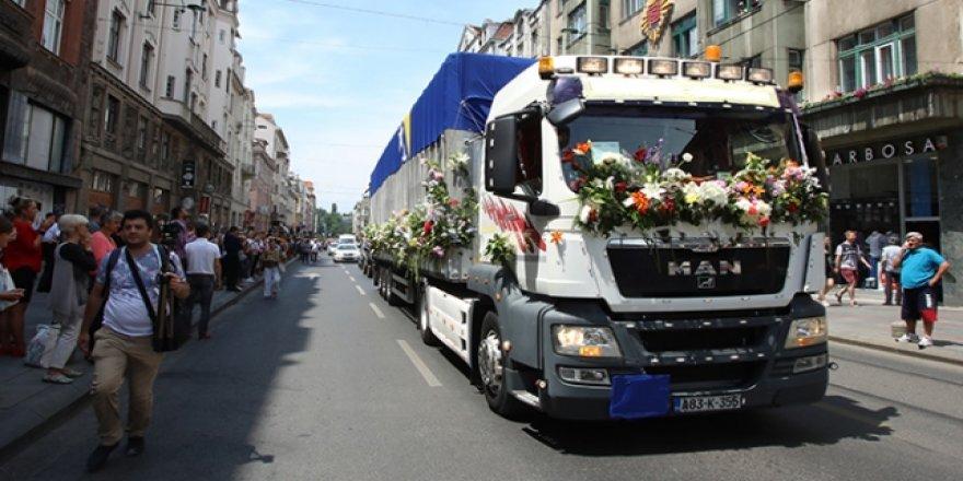 Soykırım Kurbanlarının Cenazeleri Srebrenitsa'ya Uğurlandı