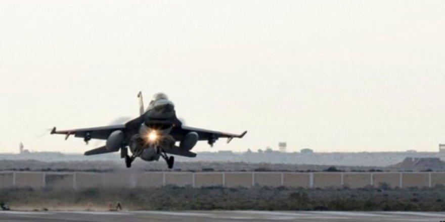 Katar'da Askeri Eğitim Uçakları Çarpıştı