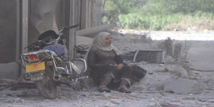 Esed Rejiminin Hava Saldırısında 4 Çocuğunu Kaybeden Annenin Çaresizliği
