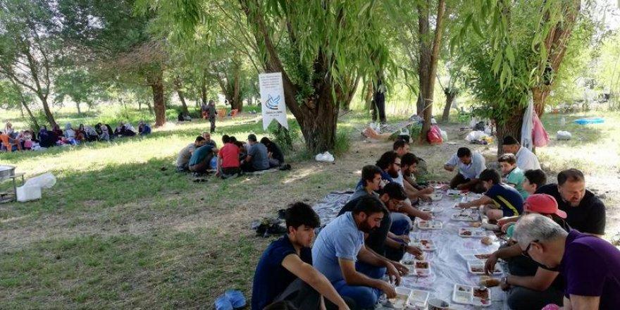 Van Özgür-Der Üyeleri Piknikte Buluştu