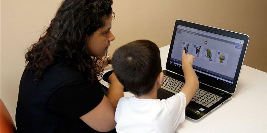 Özel Çocuklara Beş Dilde Özel Eğitim Programı