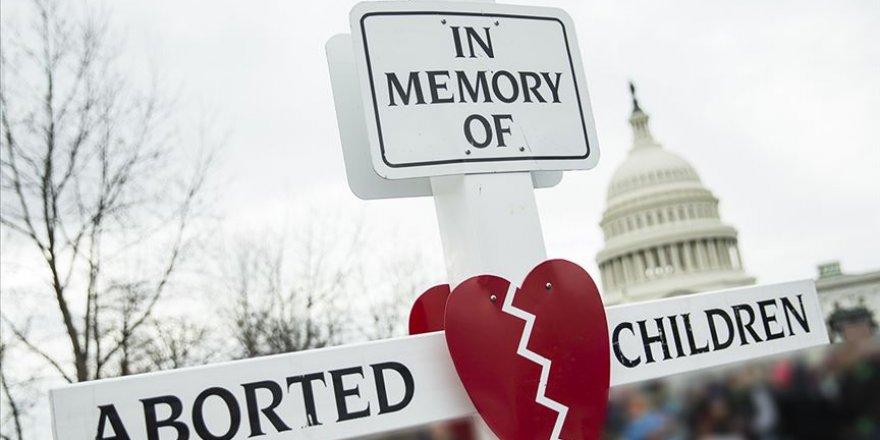 ABD'de Kürtaj Kısıtlamaları Yürürlüğe Girdi