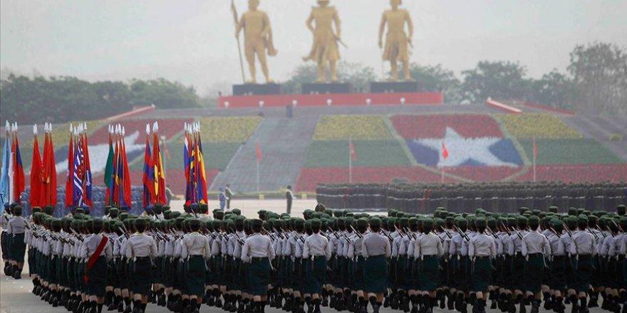 ABD'den Myanmarlı Komutanlara Ülkeye Giriş Yasağı