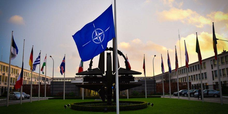 """Batı Medyası: """"Türkiye'nin NATO Üyeliği Sonlandırılmalı"""""""