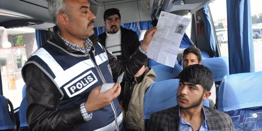 Suriyeli Muhacirlere 'Yol İzin Belgesi' Uyarısı