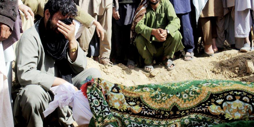 ABD Afganistan'da Bir Mescidi Havaya Uçurdu, Üç Sivili Katletti