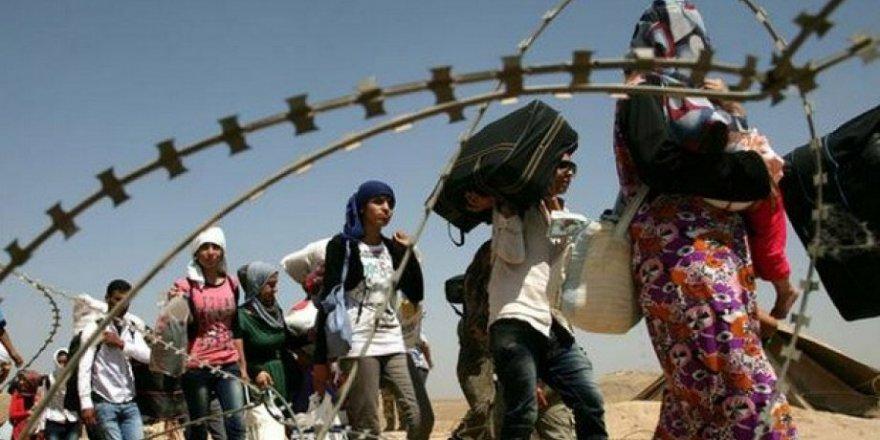 Afrikalı göçmenler sınırda rehin alınıp darp ediliyor